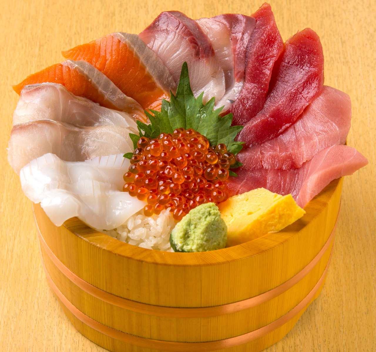 大江戸で味わう感動の海鮮丼!市場の海鮮を思う存分ご堪能あれ!