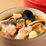 柳橋中央市場より毎朝仕入れた新鮮魚介を使用した逸品が勢揃い!