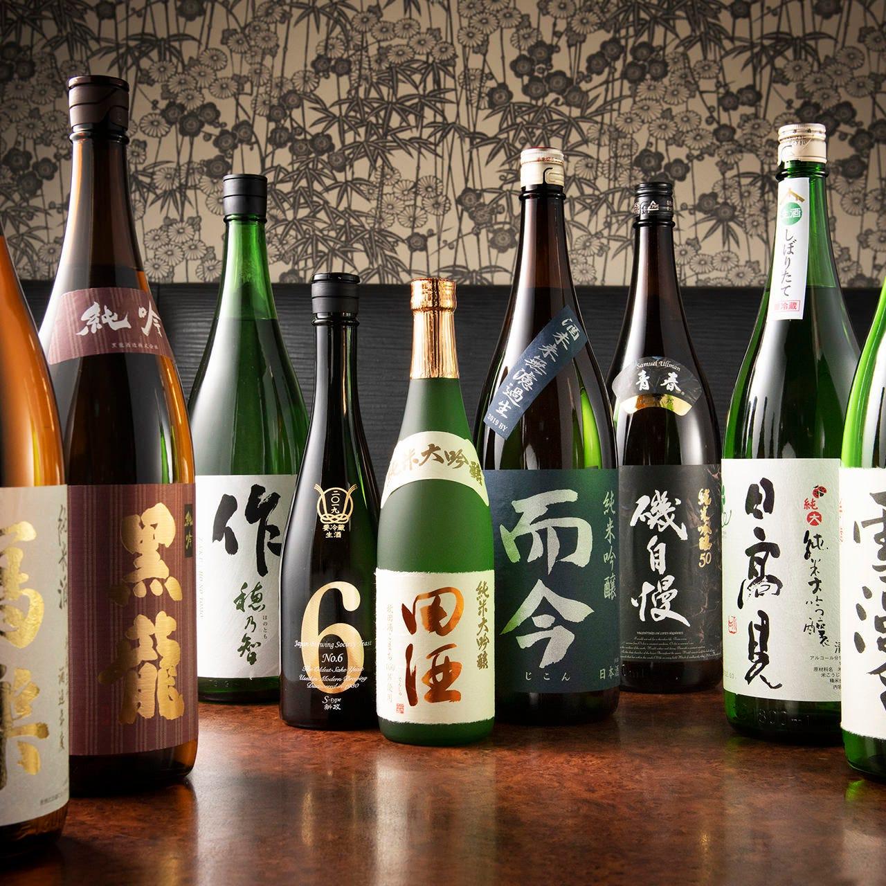 日本酒はこだわりの20種類以上を厳選!個性派も勢揃いです