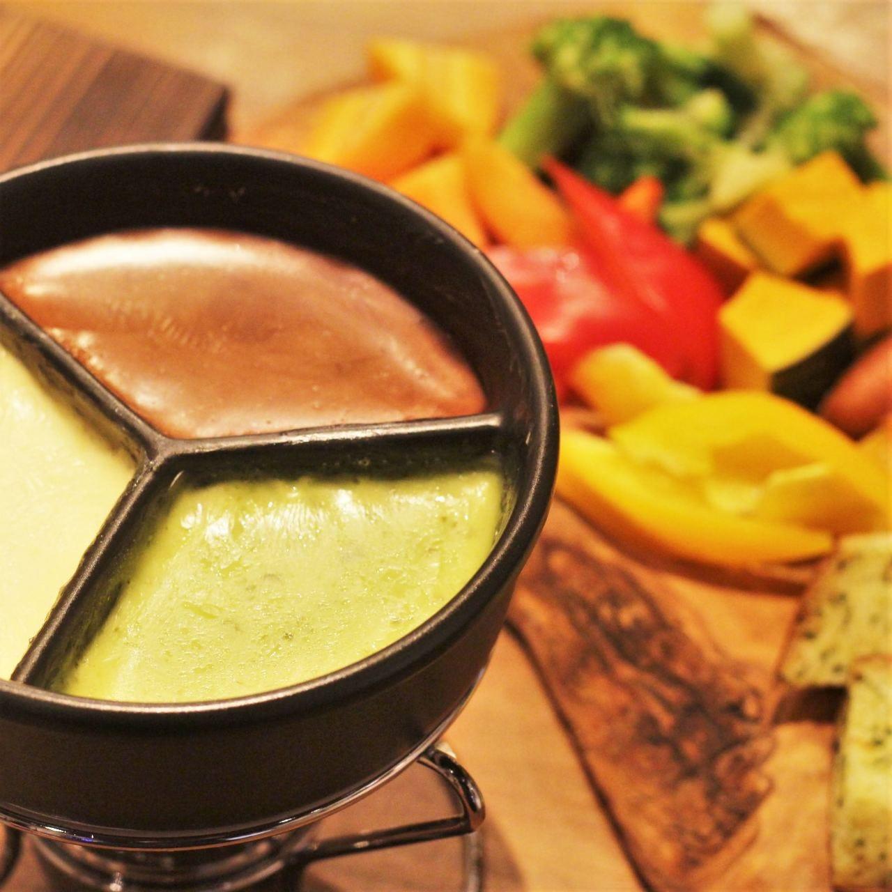 【3種のチーズフォンデュコース】料理9品&飲み放題付き3時間→4000円