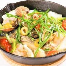 本日鮮魚のアクアパッツァ GRATOスタイル【一番出汁と酒盗を使ったGRATOスタイル】