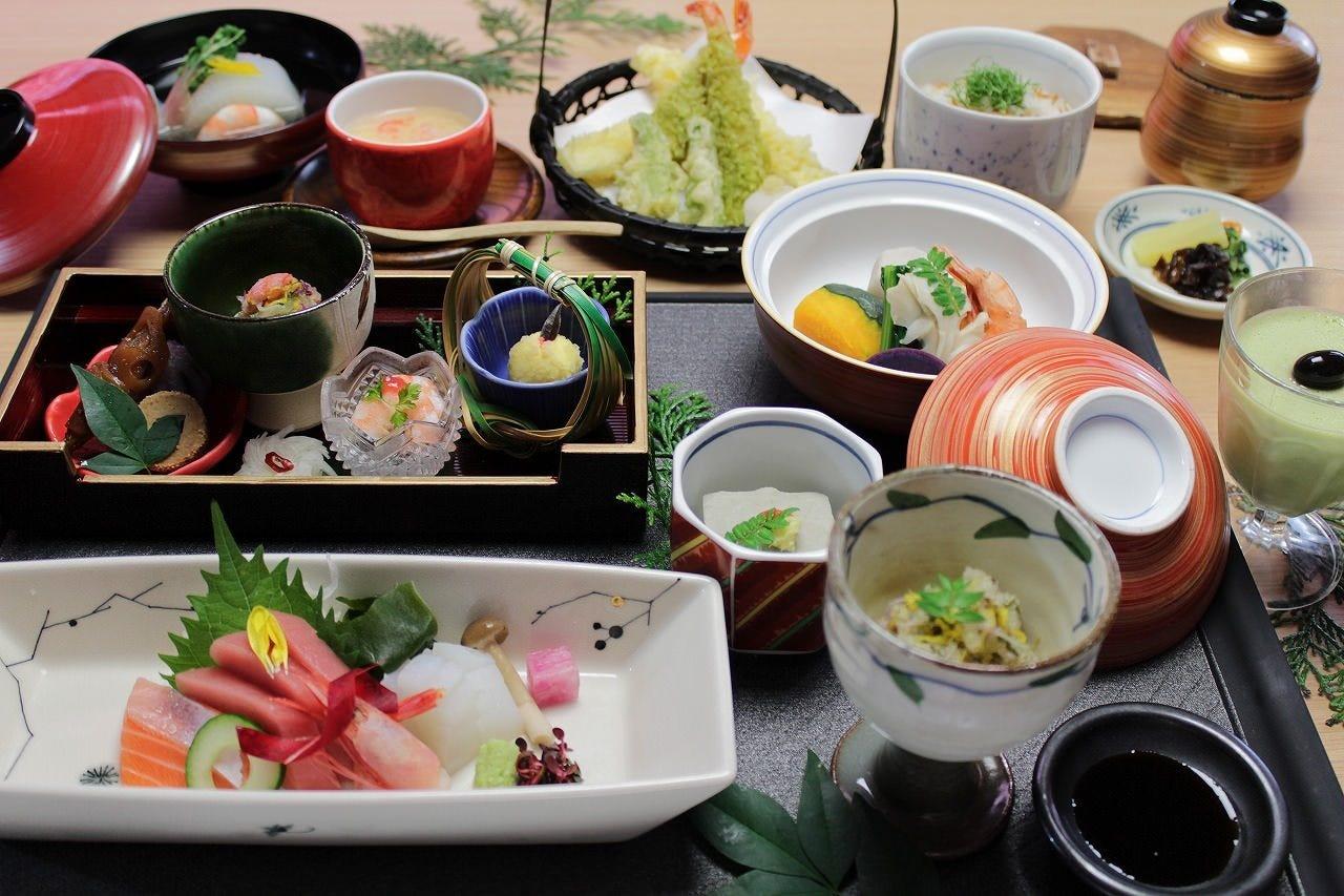 【暁-あかつき-】会席料理コース全10品 3,200円(税抜)