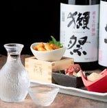 厳選日本酒が自慢の当店。相性抜群な和食と共にご堪能ください