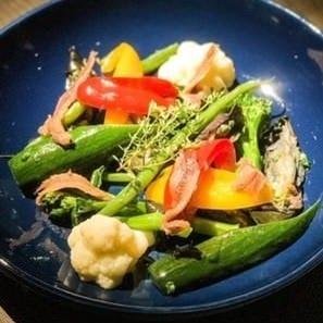 世羅産の旬野菜をふんだんに使用したアラカルトも必食