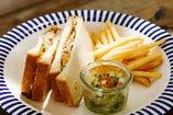 伊良部島のなまり節ホットチーズサンド(ポテト付)