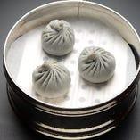 海老と枝豆焼小籠包