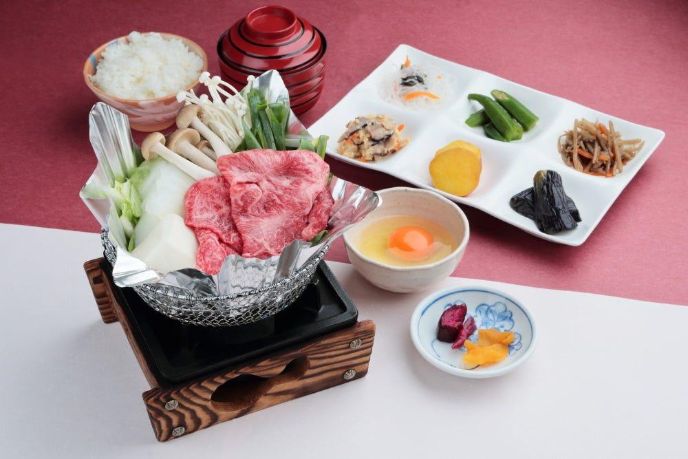 すき焼き定食(おばんざい付)