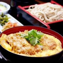 厚切りロースカツ丼と蕎麦のセット