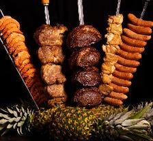 【土日祝】いろいろな肉が食べ放題!シュラスコ&ビュッフェディナー(フリードリンク付)