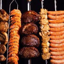 【土日祝】いろいろな肉が食べ放題!シュラスコ&ビュッフェランチ(ソフトドリンク付)