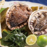 魚介は北九州の中卸の老舗川原より空輸して仕入れております。
