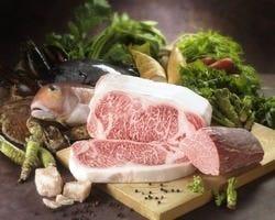 五感全てで楽しめるお料理 厳選食材の鉄板焼。