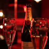 シャンパンも多彩に取り揃えております