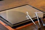 自慢の特注9mmステーキ鉄板