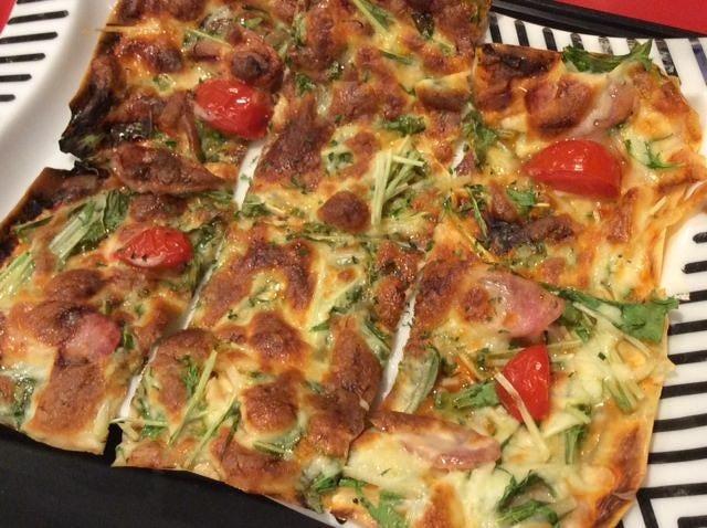 創作料理:湯葉のピザ