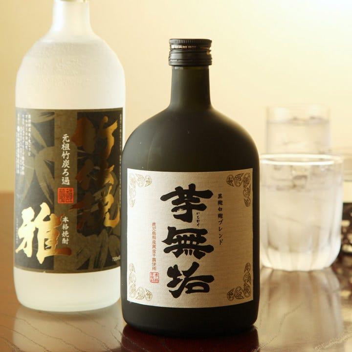 日本酒以外に本格焼酎やビールマイスターが注ぐ生ビールなどドリンクも充実!