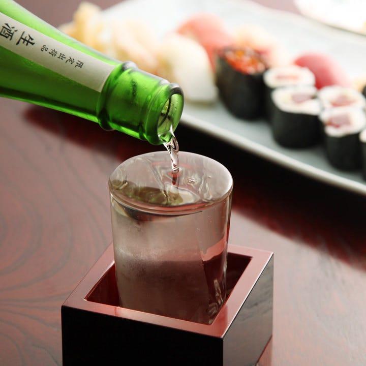 コース料金に+3,200円(税抜)で本格焼酎や人気の冷酒が飲み放題!