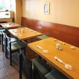 テーブル席(~4名様×3)
