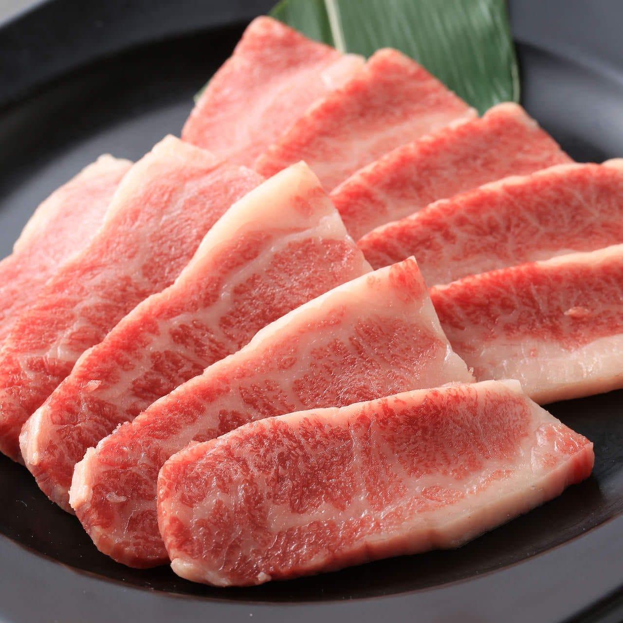 お肉もサイドメニューも充実の品揃え