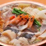 毎年人気の海鮮系のお鍋も多種多様にご用意しております。