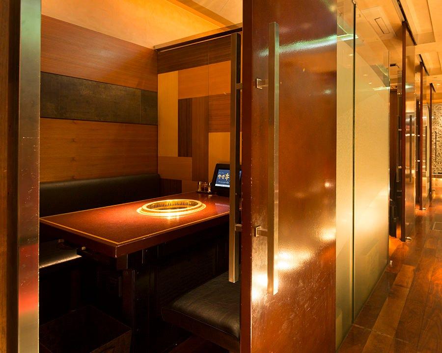 [上質空間]洗練されたスタイリッシュ個室