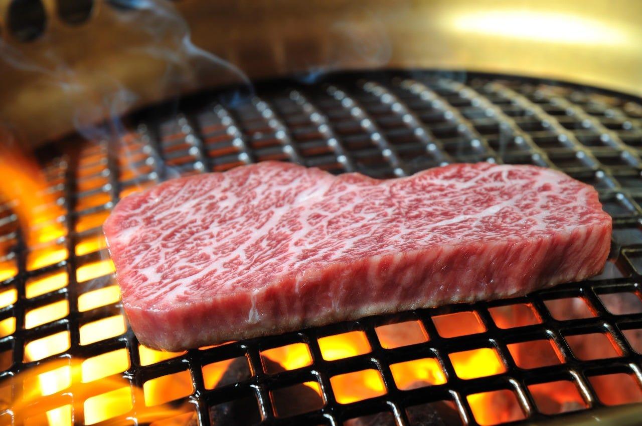 焼肉弁当920円~リーズナブル!特上、赤身、サーロインなど様々