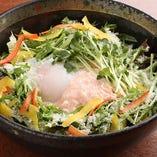 『山芋明太の温玉サラダ』