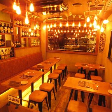 イタリアン&ワインバー CONA 関内店 店内の画像