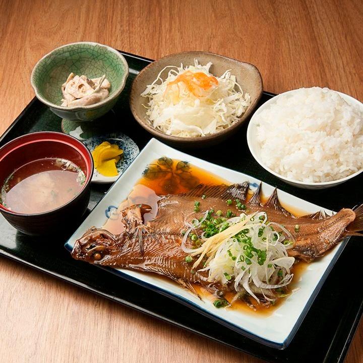ボリューム満点!!焼魚定食です。
