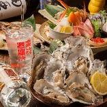 《なまら満足 10点盛り》一人前1380円【税込】カニもイクラも!名物大鉢盛りに北海道のうまさをこれでもか!と詰め込みました♪心ゆくまで魚介楽しみたい方に!4~5名様盛り。