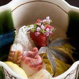 【旬の味覚の饗宴】 こだわりの特選素材を匠の技で逸品の数々に