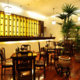 5階ティーラウンジ【清芳春】では、中国茶をゆったりと。