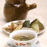 菜香特製 夏の健康スープ 【黄芪意米冬瓜痩肉湯】