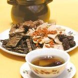 【秋の例湯】 ヤマイモ、クコ、トチュウの健康スープ