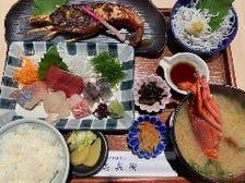 江ノ島で取れた新鮮な伊勢海老料理