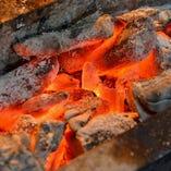 [備長炭焼] 朝〆国産地鶏を香ばしく焼き上げます!