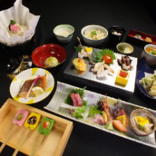 京の食材と旬の鮮魚を満喫できる『京風湯葉会席』