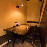 奥には個室っぽいお洒落な円卓もございます♪