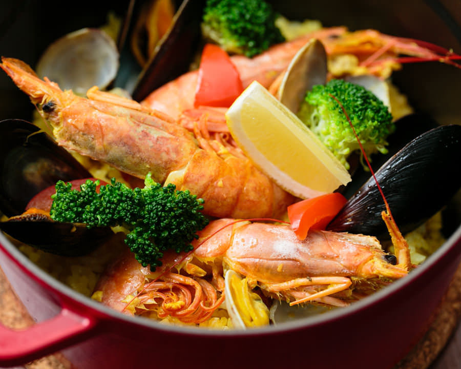 アラ炊き出汁の海鮮パエリア