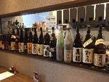 プレミア焼酎がズラリ!日本酒の種類も豊富、果実酒やワインも有