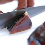[わら焼きが多数!] 鰹も黒毛和牛もお店で藁を使い焼き上げます