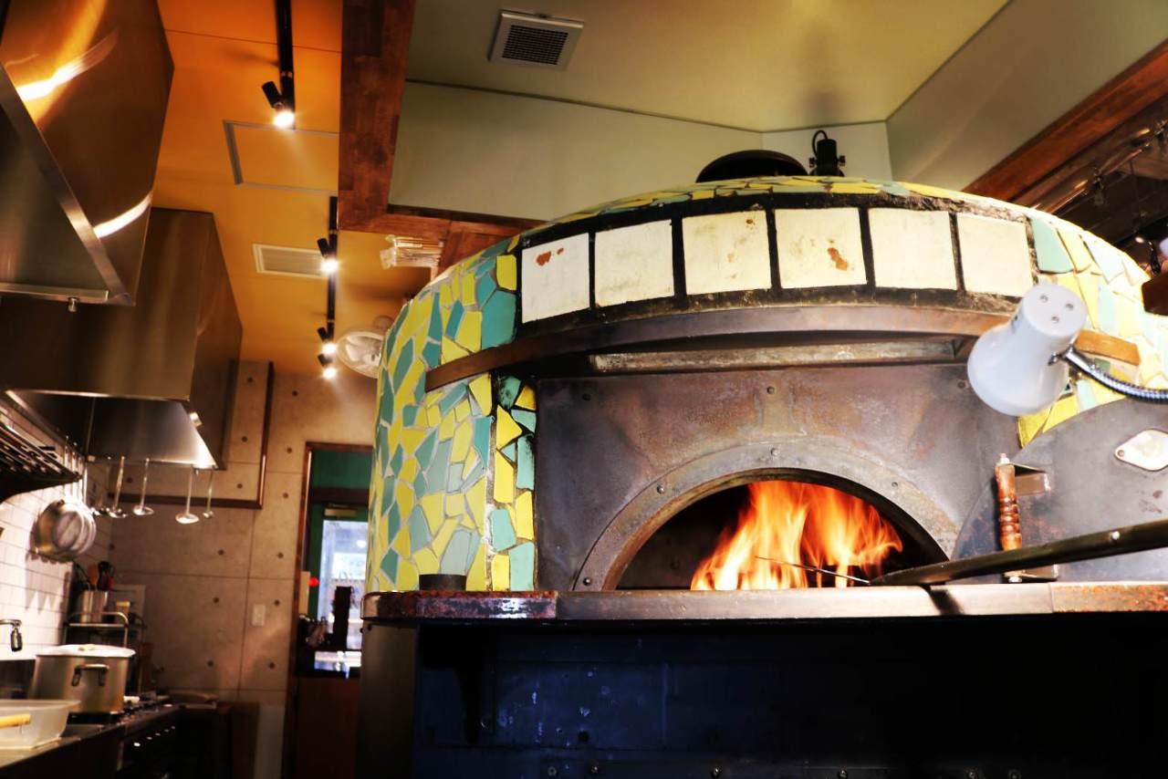 本格石窯で焼いた、焼きたてピザを御自宅で!