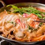 熱々の鍋料理もございます!