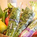 毎月旬の京都産の野菜を約5品。こちらも食べ放題に含まれます。