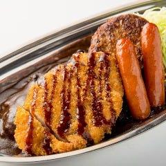 Lセットカレー(L set Curry)Weiner sausage and Hamburger steak and Pork cutlet