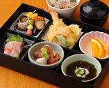 お昼の慶事や会食にも。松花堂弁当 2500円~ご用意。
