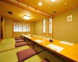 会社関係のご宴会から同窓会、慰労会などに最適の個室は最大70名様までOK。