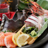 全国の漁場から厳選された旬のおいしい海産物を仕入れ!