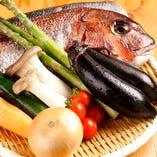 新鮮な魚介と旬のお野菜を使用しています!