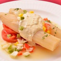 ナバーラ産ホワイトアスパラガスサラダ